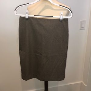 Ann Taylor Pencil Skirt in Size 6